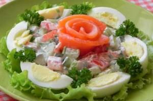 Салат из дайкона с яйцом